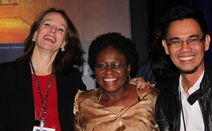 Shermon Cruz with Heidi Hackmann, Executive Director ISSC and Olive Shisana, President, ISSC 2013 @ WSSF 2013 Forum. Photo credit to WSSF/ISSC