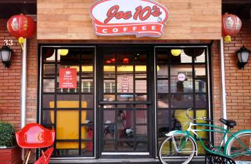 Joe 10's Coffee. Photo credit to Ms. Tina Tan, 2014, www.blauearth.com
